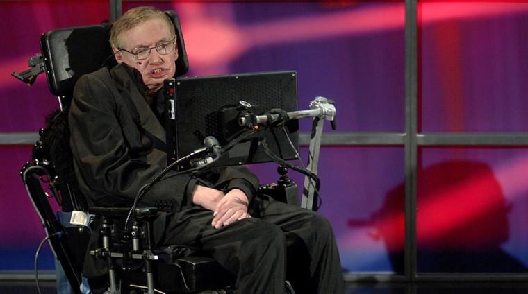 Le physicien Stephen Hawking met en garde contre les risques de l'intelligence artificielle