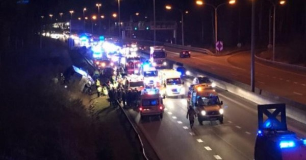 Grave accident de bus sur la E313 en direction d'Hasselt ce jeudi soir: plusieurs blessés