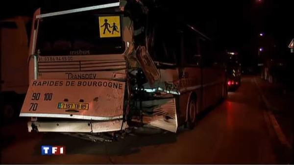 Le journal de 13h - Accident entre un bus scolaire et un TER : une ado entre la vie et la mort