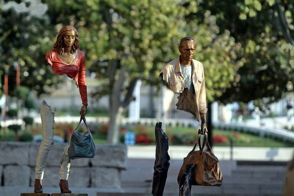 http://www.niceplacevisit.com/pretty-incredible-bruno-catalano/