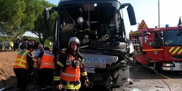 Béziers : 12 blessés dans la collision entre un poids-lourd et un autocar d'Alès