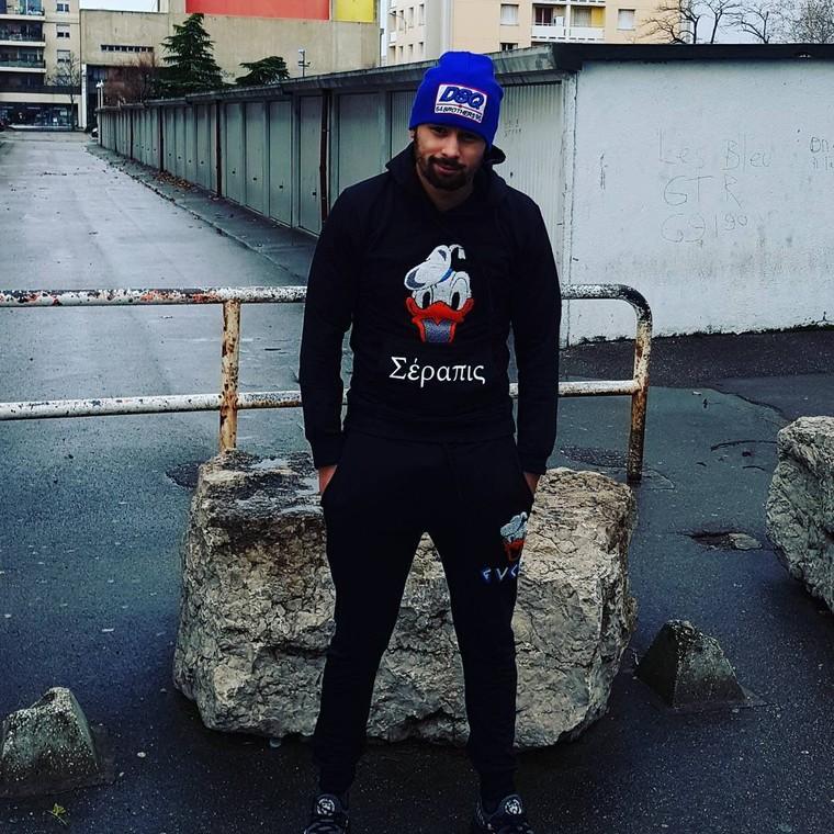 """La famax 🏅📀 on Instagram: """"#jaitrofumer #despetesalabariere #jaifaim! #peubavard #homme #serin #lavengeance #cdlarigolade #resterbranche #onarrivvefort mouahhh la fafa"""""""