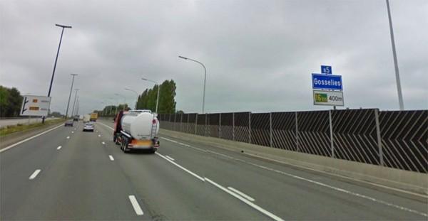 Une Mercedes rentre dans un car transportant des enfants sur la E42 à Gosselies: un mort
