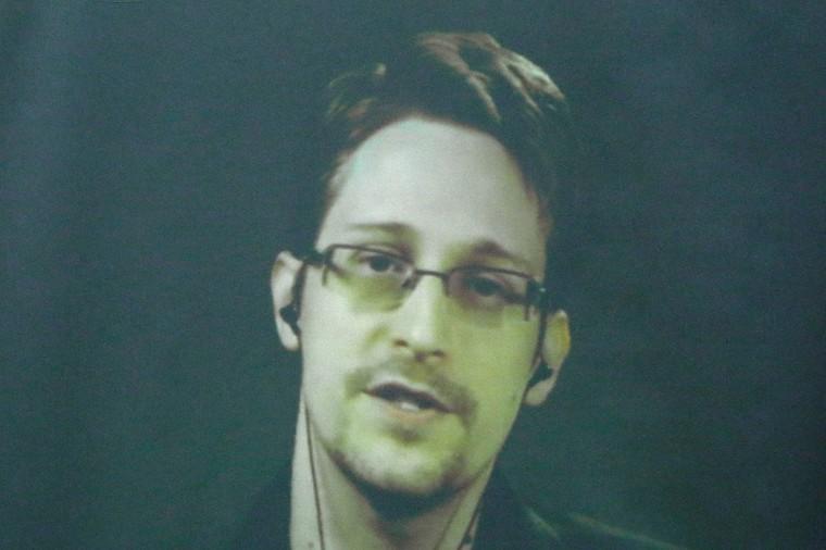 Après les révélations sur l'espionnage des comptes Yahoo, Snowden appelle à clôturer les emails