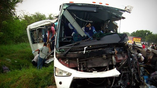 Mexico bus crash kills at least 13