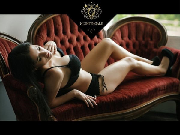 All Five Star Hotel Escort Service Delhi/Ncr..