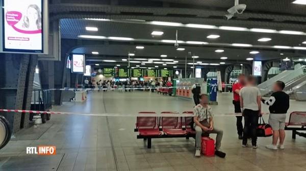 Un coup de feu tiré dans la gare du Midi à Bruxelles crée un mouvement de panique: l'auteur a été identifié selon le ministre