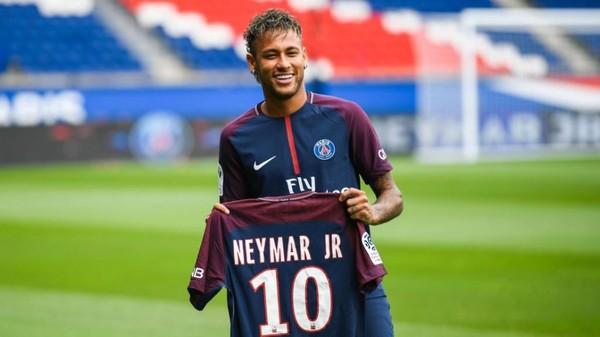 Neymar Mencatatkan Diri Sebagai Pemain Termahal Dunia