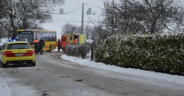 Assenois (Bertrix): 16 blessés légers suite à l'accident d'un bus des TEC à cause de la neige