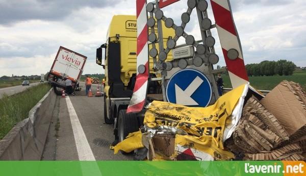 L'autoroute A8 bloquée, dans le sens Bruxelles-Tournai, à hauteur de Bassilly