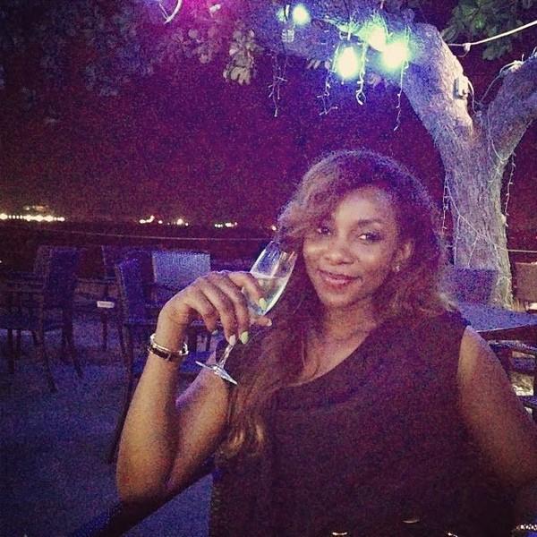 L'actrice Genevieve Nnaji signe plusieurs millions de Naira avec l'ambassadeur d'affaire Etisalat !!!