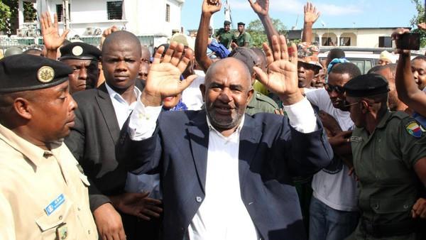 Comores: positions fermes contre la pratique d'un islam chiite sur le territoire  - RFI