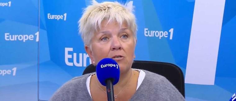 Harcèlement sexuel : Mimie Mathy fait une blague douteuse sur Europe 1 (VIDEO) - actu - Télé 2 semaines
