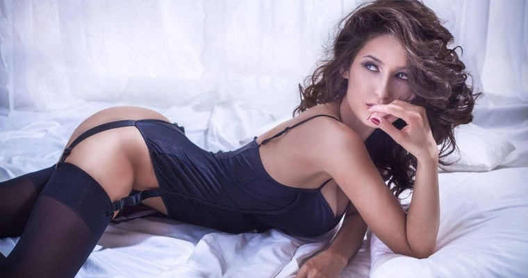 Find Girls Online For One Night Stand: Meet Girls For Online Dating and Sex Tonight