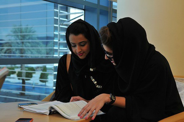 UAE Labour Law for Working Expatriate and Arab Women