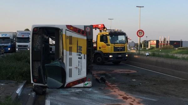 A12 opnieuw vrij na ongeval met bus