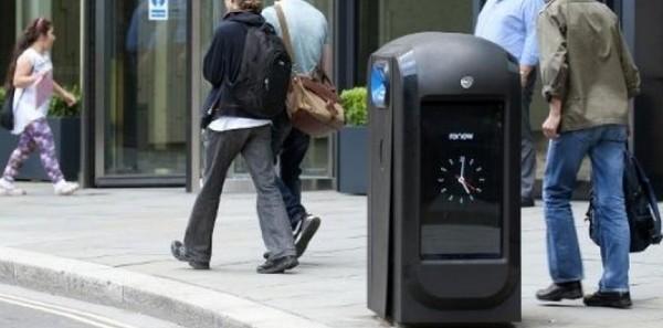 Des poubelles collectant des données font scandale à Londres