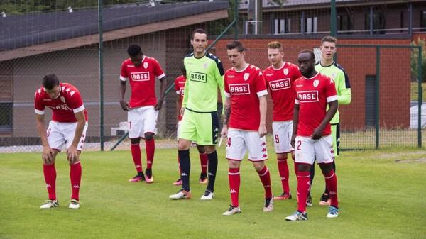 Le Standard s'impose 1-0 face au Dnipro lors d'un match amical improvisé