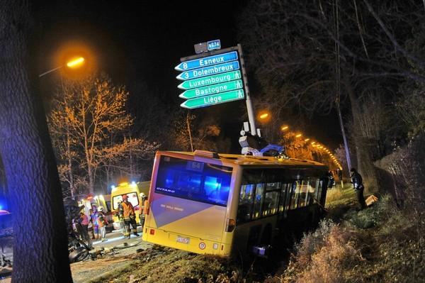 Deux blessés graves après une violente collision entre un bus du TEC et une voiture