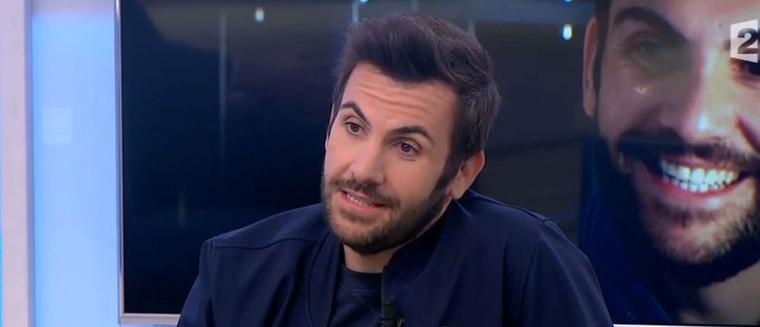 """Laurent Ournac revient sur sa métamorphose : """"J'ai perdu 58 kilos depuis mon opération"""" (VIDEOS)"""