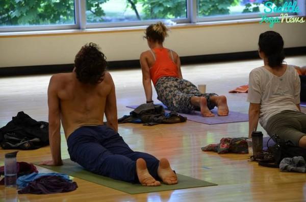 Comment Choisir sa Tenue de Yoga Homme ?