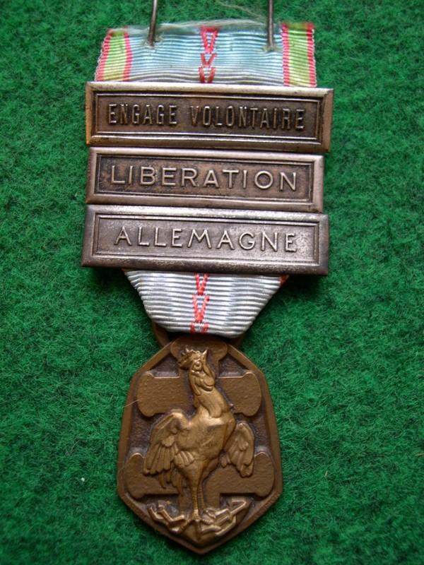 Collection de médailles et de décorations françaises militaires