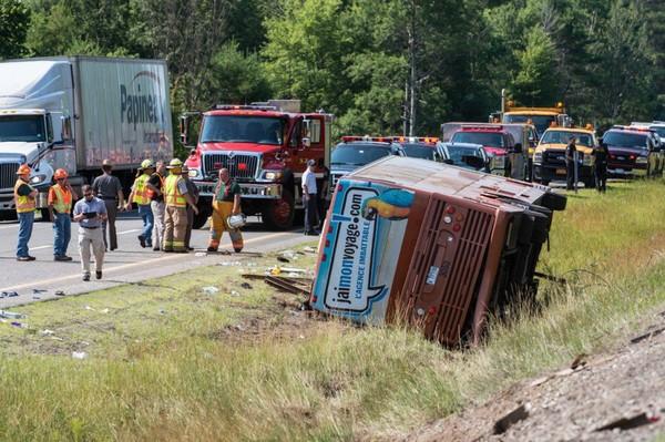Accident d'autocar dans l'État de New York: une Québécoise de 14 ans est morte | Jasmin Lavoie et Marie-Michèle Sioui | Faits divers