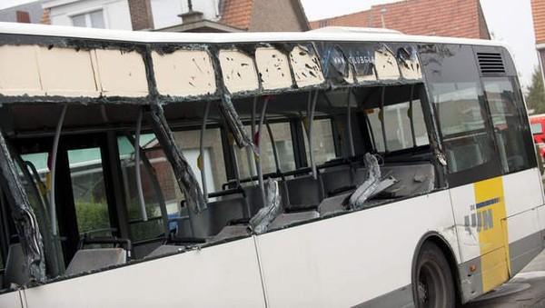 Twee reizigers kritiek na botsing lijnbus in Schelle