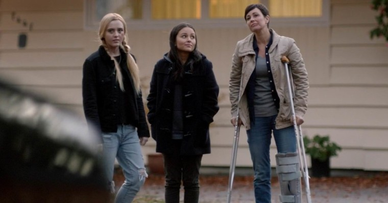 Female-Led 'Supernatural' Spinoff 'Wayward Sisters' Is A Go