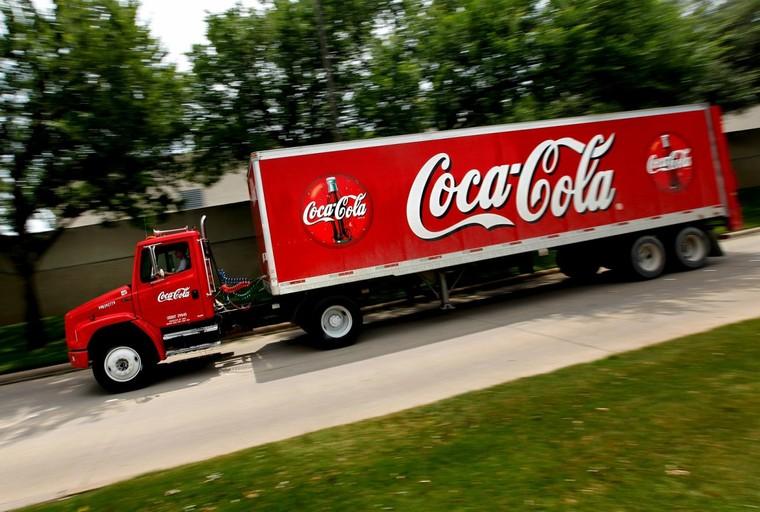 Des canettes remplies d'excréments sèment la zizanie dans une usine Coca-Cola d'Irlande du Nord