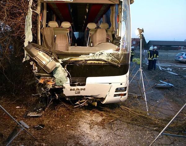Petershagen: Ermittlungen nach Busunfall laufen - Mindener Tageblatt