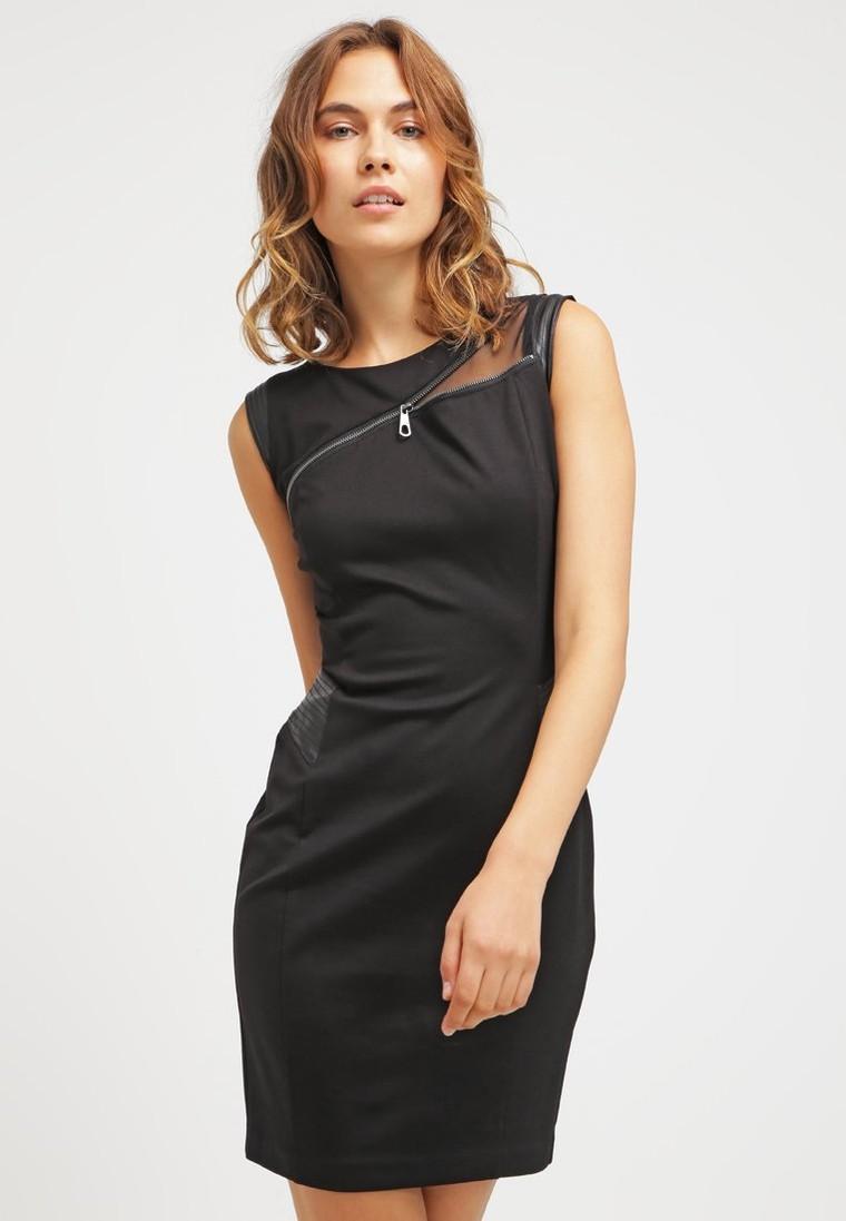 guess diletta robe fourreau noir robe foureau zalando tendance mode femme. Black Bedroom Furniture Sets. Home Design Ideas