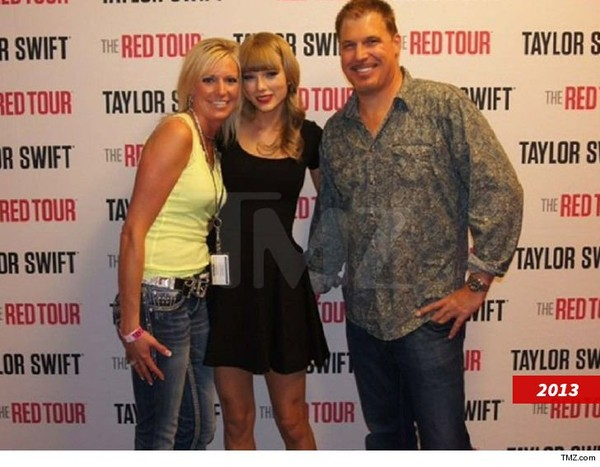 Taylor Swift's DJ Butt Grab Trial Is Hottest Ticket in Town