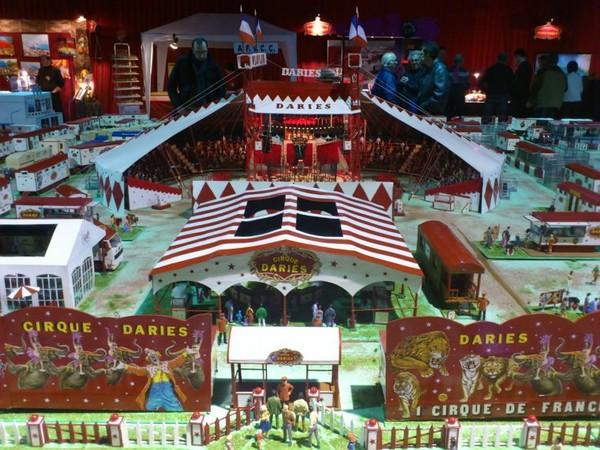 Le 3ème Salon de la Maquette de Cirque au Cirque Hiver Bouglione .....