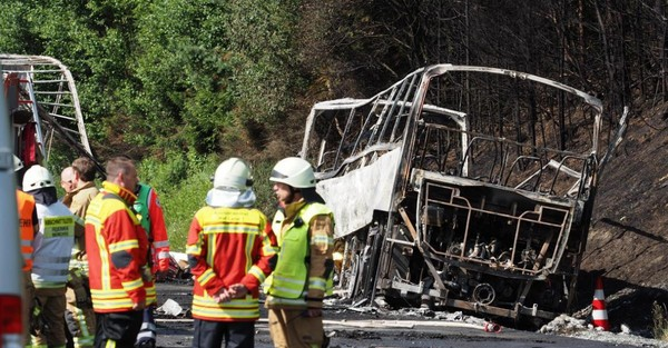 Accident de car dans le sud de l'Allemagne: 18 morts piégés par les flammes