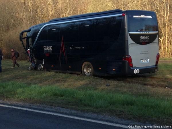 Fontenay-Trésigny Une femme décédée contre un bus sur la N 36