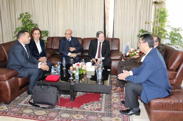 Quand le conseil de la ville de Tanger confond le Paraguay et l'Uruguay