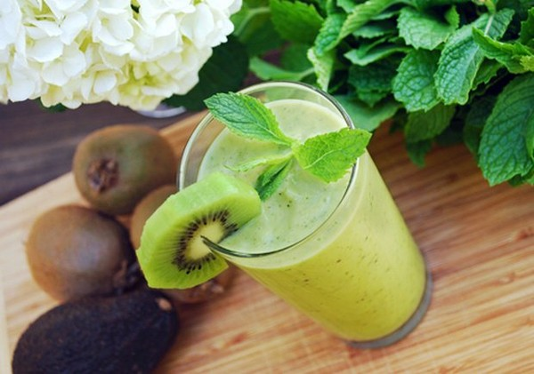 Green Kiwi Smoothie To Boost Your Energy - Healthy Food Society