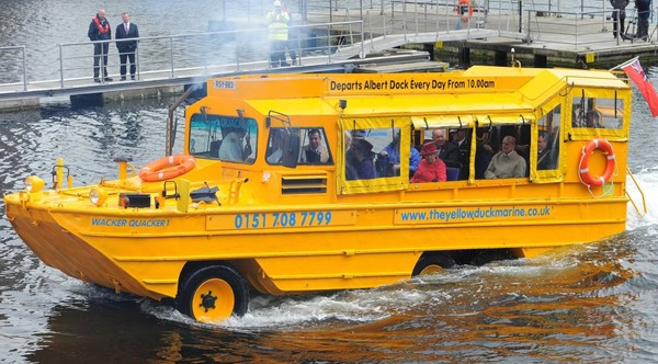 Vidéo : naufrage d'un bus amphibie à Liverpool - insolite - Directmatin.fr