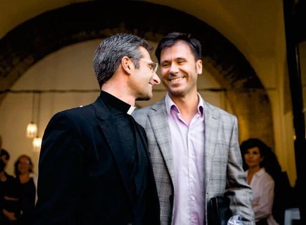 Peut-on être prêtre et homosexuel ?
