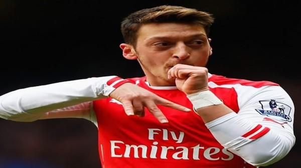 Mesut Oezil Resmi Perpanjang Kontrak di Arsenal
