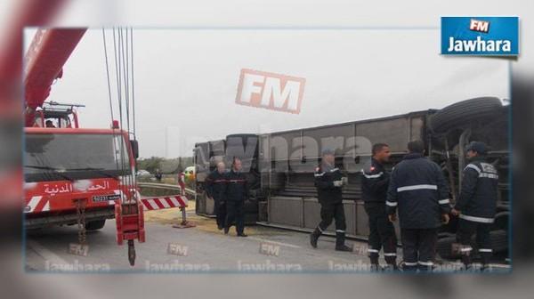 Accident de bus sur l'A1: le délégué de Mareth porte plainte contre une radio privée