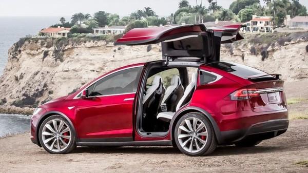 Tesla recalls 11,000 Model X crossovers