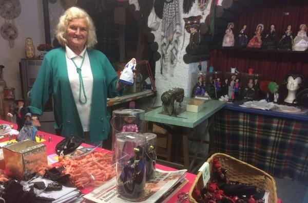 Savoie: Yvonne vous accueille dans son royaume des poupées - France 3 Auvergne-Rhône-Alpes