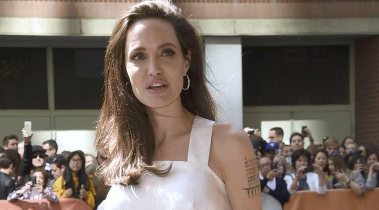 """Angelina Jolie : """"C'est très dur de se retrouver seule"""" (INTERVIEW) Cinéma - Télé 2 Semaines"""