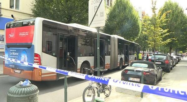 Bruxelles: un bus percute un cycliste, ses jours sont en danger