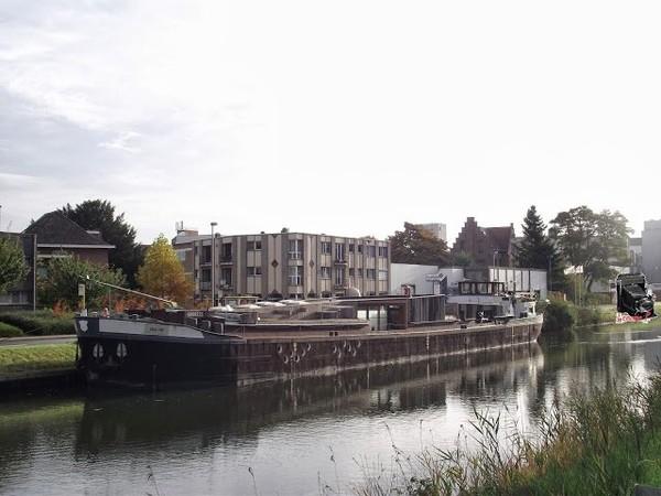 Mes parcours des voies d'eau par Pierre Lemoine: Bateau théâtre
