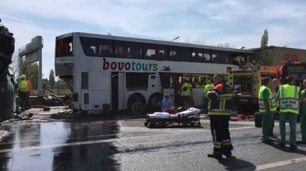 Accident grave sur l'E17: le chauffeur bulgare est décédé