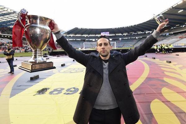 Yannick Ferrera sera bien le coach du Standard en 2016-17