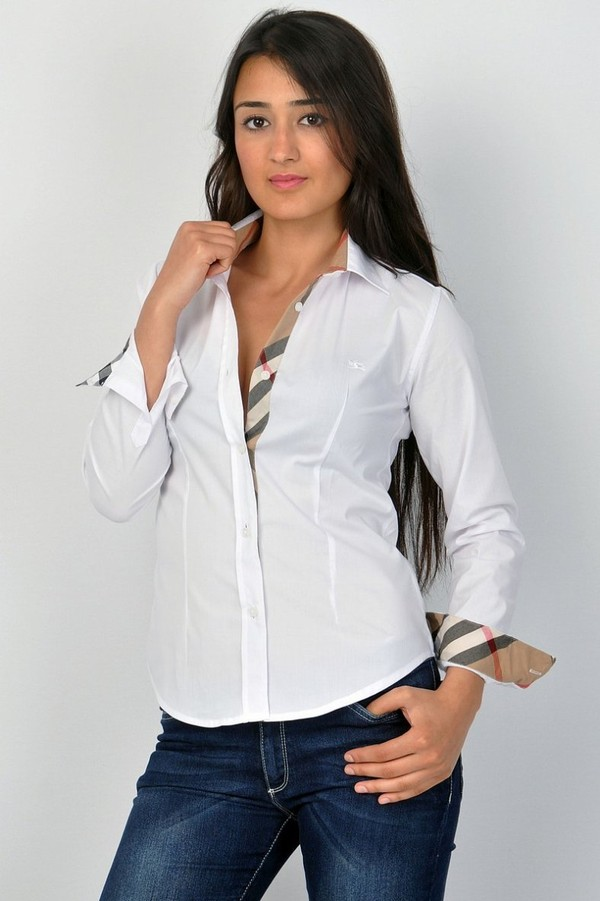 Fashionably Tailored Shirt Burberry